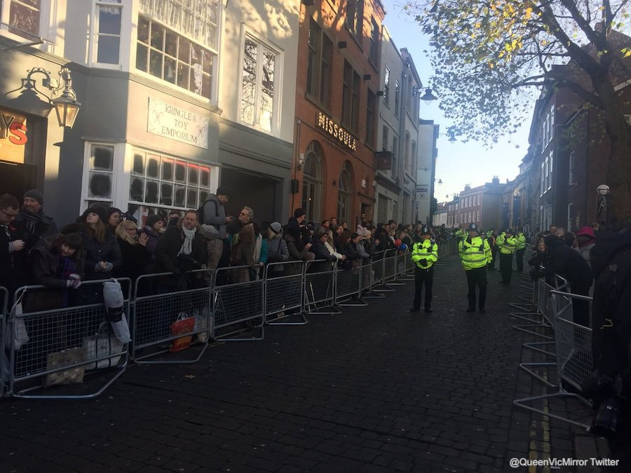 Crowds in Nottingham waiting to meet with Prince Harry & Meghan Markle