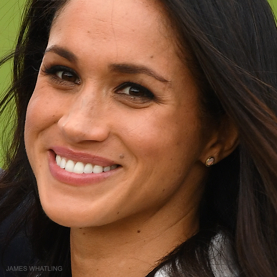 Meghan Markle's earrings at the engagement announcement photocall