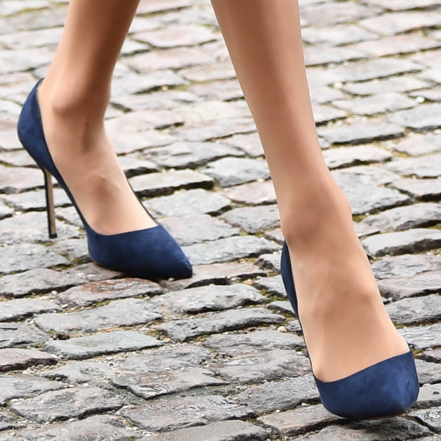 Meghan Markle's Manolo Blahnik BB pumps in blue suede