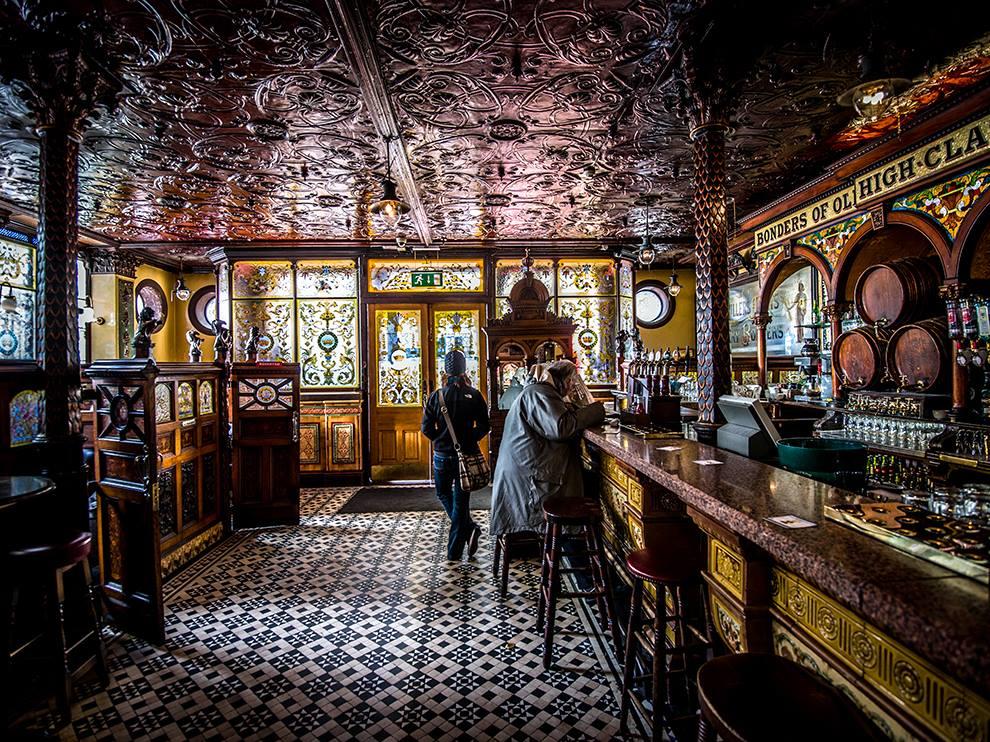 The Crown Liquor Saloon, Belfast
