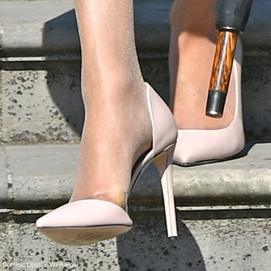 Meghan Markle wearing the Tamara Mellon Siren Pumps